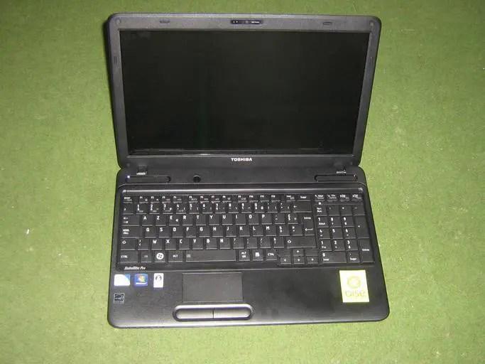 boot a Toshiba Satellite off USB