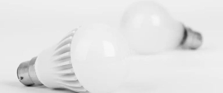 Is condensation on light bulbs dangerous?