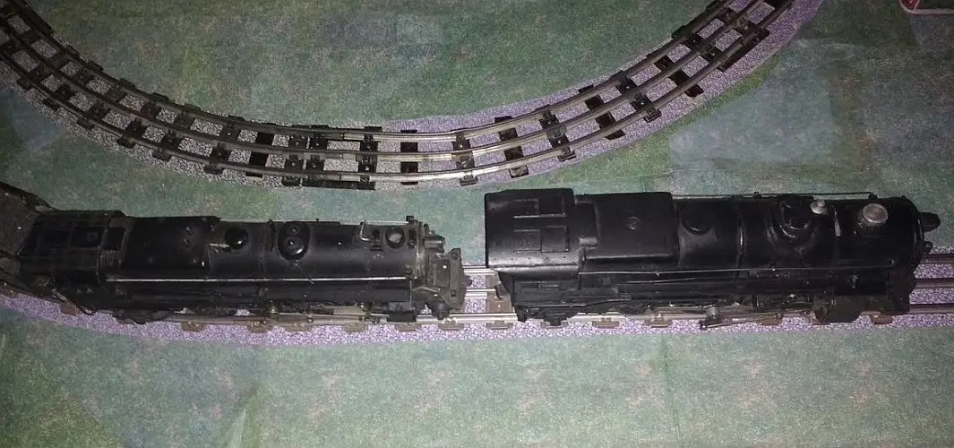 scale vs gauge: AF 561 vs Lionel 675