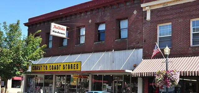 Coast to Coast Hardware Stores history