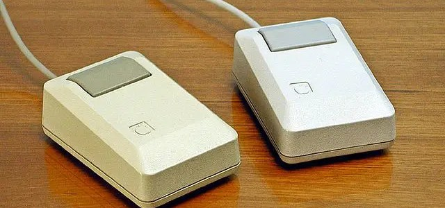 Apple II vs Macintosh