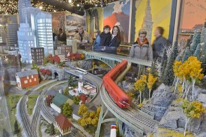 hi rail in model railroading