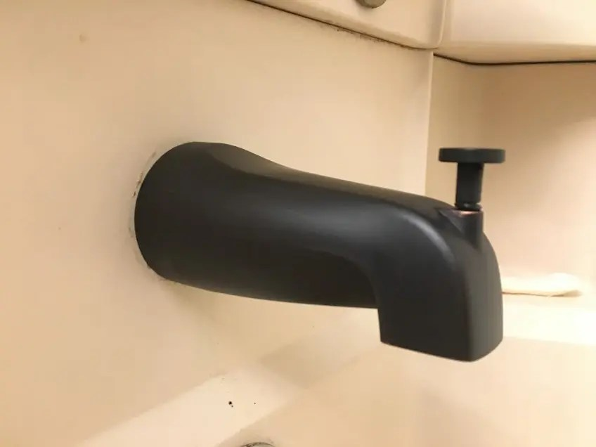 shower leaks but not the tub