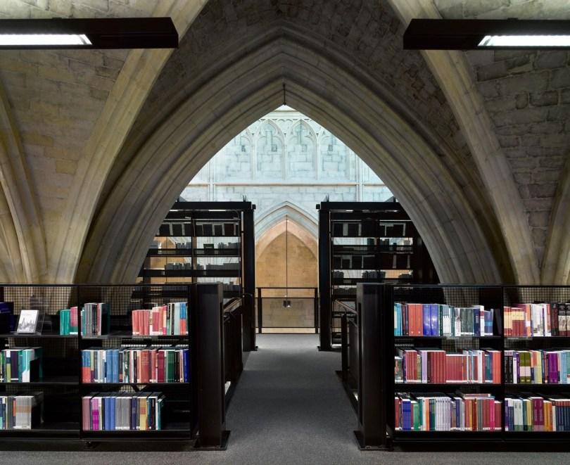 selexyz_dominicanen_bookstore_10__k