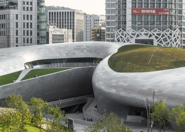 Zaha-Hadid-Seoul-Design-Center-DDP_Edmon-Leong_dezeen_784_16