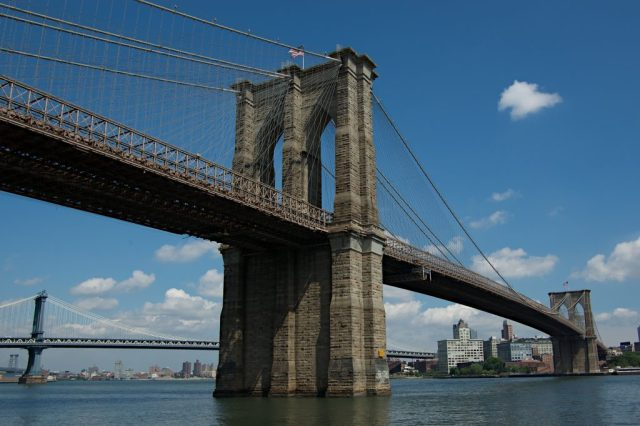 Brooklyn_Bridge_NY