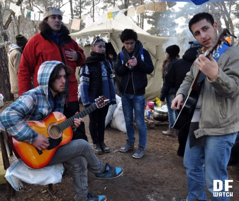 Music in the camp (DF Watch)