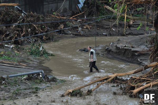 mud_flood_water