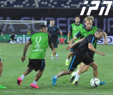 super_cup_Barcelona_team_preparing