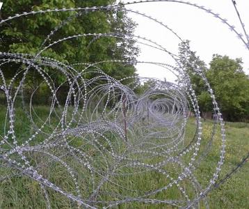 bershueti_razor_wire_fence