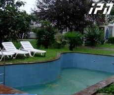 swimming_pool_Benze