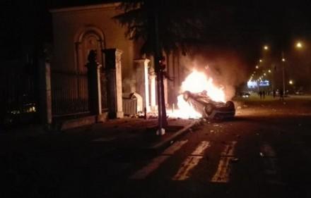burning_car_batumi