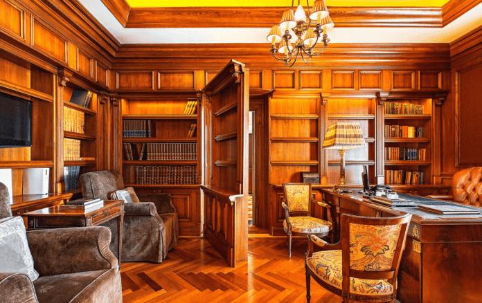 Library The Grand Bretagne