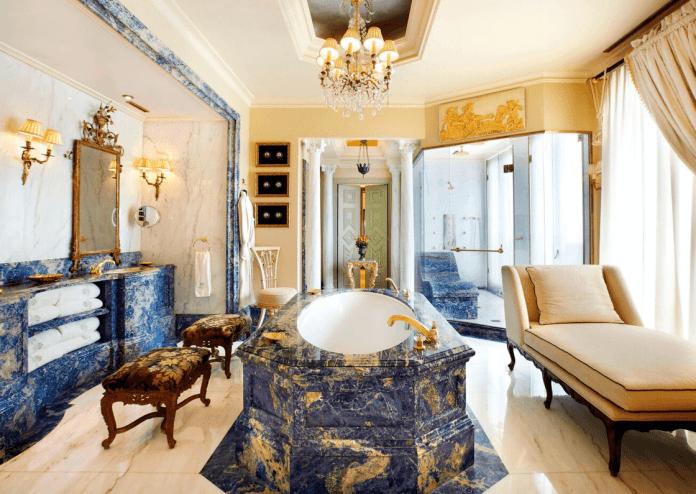 The Grand Bretagne Suite Bathroom