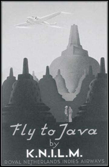 "Eksotika pulau Jawa diwakili landmark Borobudur,untuk menggambarkan kemegahan dan kebesaran candi, ditampilkan sosok kecil ""de jonge inlander"" dan ""meneer Belanda"" di antara stup- stupa besar. (Sumber: Lavies Flicker Documentary)"