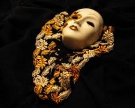 free-japanese-mask-wallpaper_422_84495
