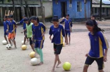 women-football-1