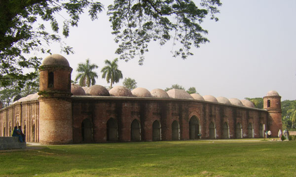 Sixty-Dome-Mosque2
