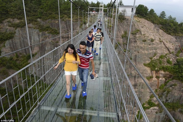 Glass-Bridge-China4