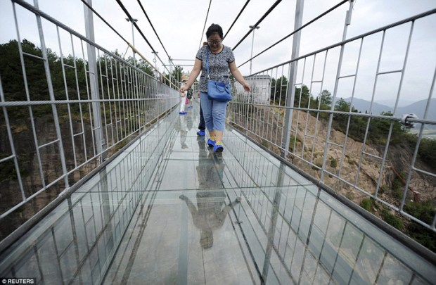 Glass-Bridge-China5
