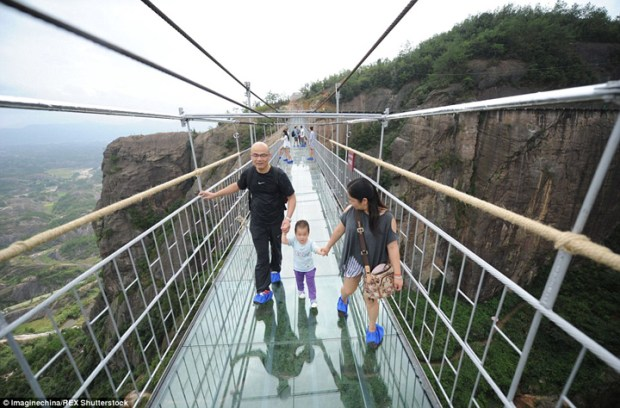Glass-Bridge-China7