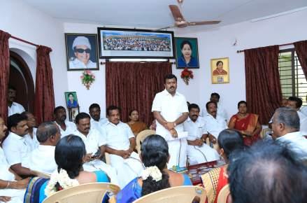 திருநெல்வேலி புறநகர் மாவட்ட கழக நிர்வாகிகள் ஆலோசனைக் கூட்டம்