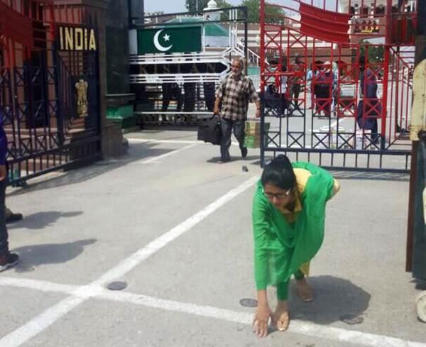 lady returned pakistan