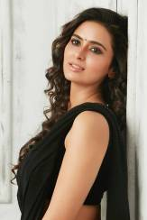 actress-meenakshi-dixit-stills1
