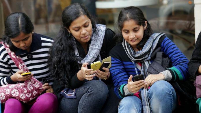 ஸ்மார்ட் போன் பயன்படுத்தும் இந்தியர்கள் எண்ணிகை உயர்வு