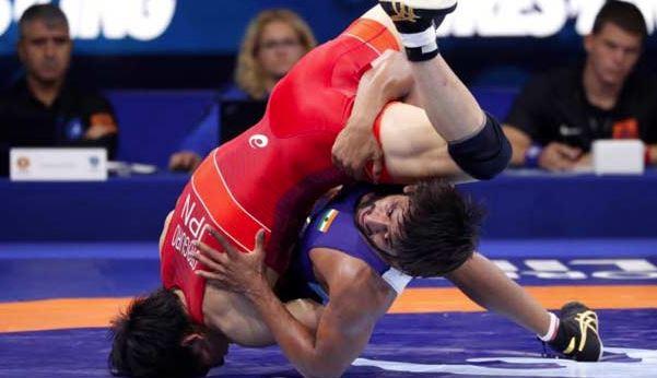 உலக மல்யுத்த சாம்பியன்ஷிப் : வெள்ளி வென்றார் இந்திய வீரர்