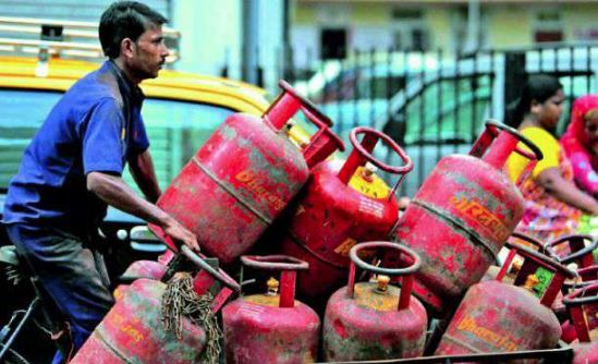 06 Nov01 Dhin Gas cylinder
