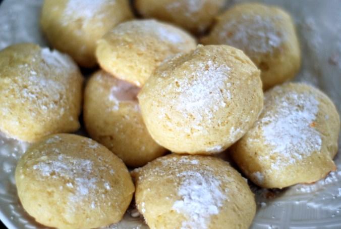 lemon cookie closeup