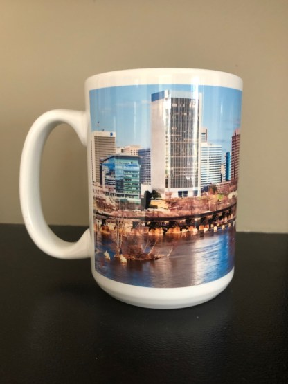 Left View of Richmond Skyline Elite Mug