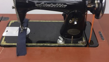 """Singer 31-15 Sewing Machin""""Service Beyond Your Expectations"""
