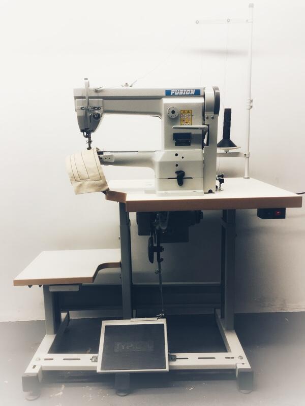 One needle cylinder-bed machine