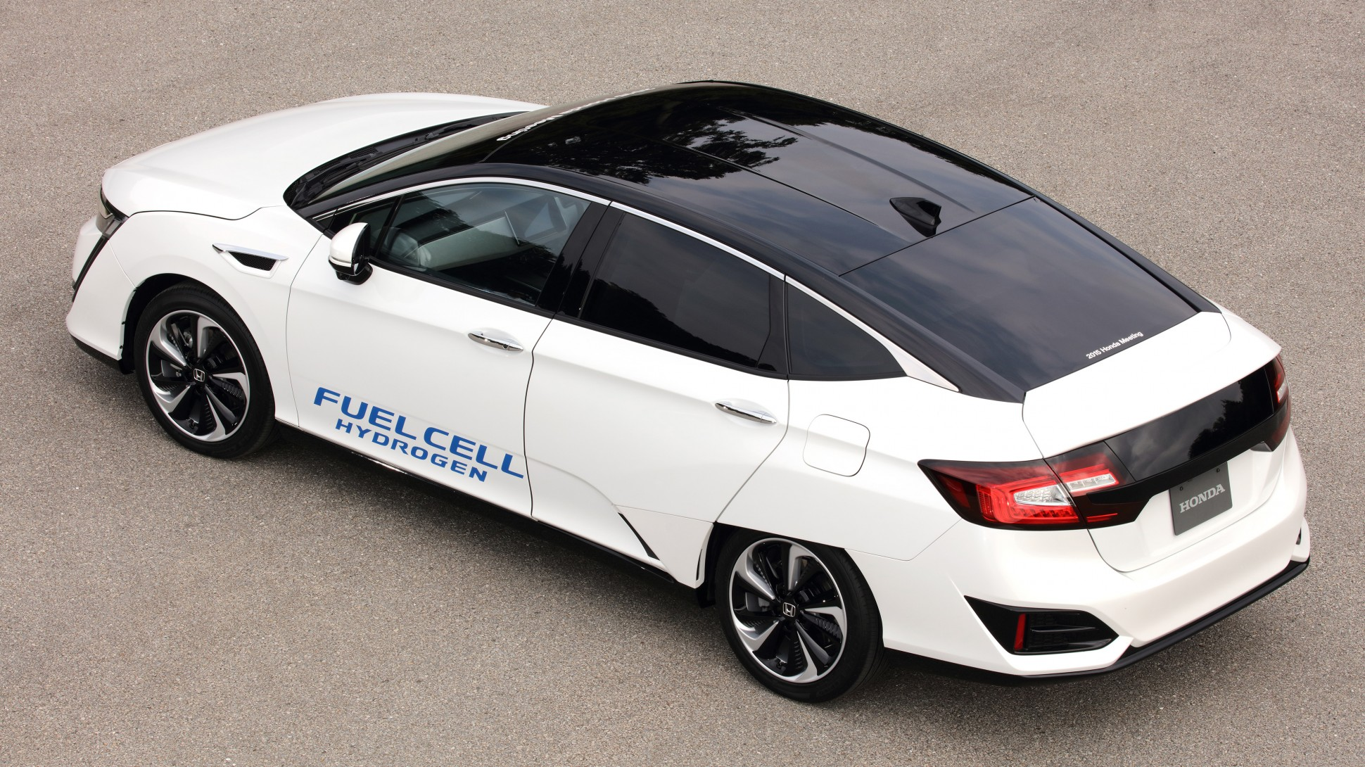 Clarity Fuel Cell Launching Hydrogen Powered Car in 2016