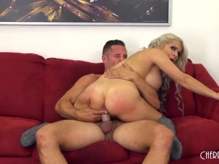 Alyssa Lynn Is A Naughty MILF Who Loves To Fuck and Suck