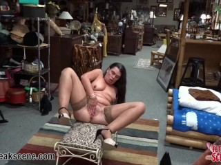 MILF stretches her pussy to the limit with sex toys