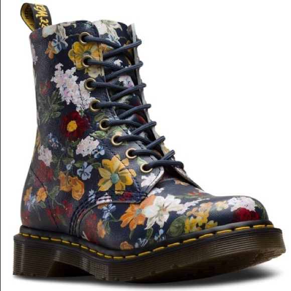 dr martens dr martens 101 6 eye boots in chocolate brown