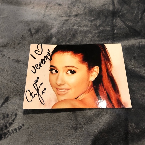 ariana grande signed autograph ariana