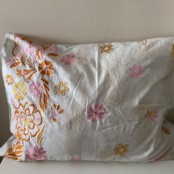 set urban outfitters embroidered pillow shams