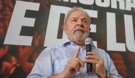 Image result for Lula diz que pode ser 'o 1º preso político do país no século 21'