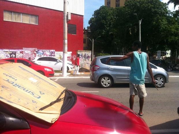 Flanelinhas serão reaproveitados no novo estacionamento rotativo, diz prefeitura