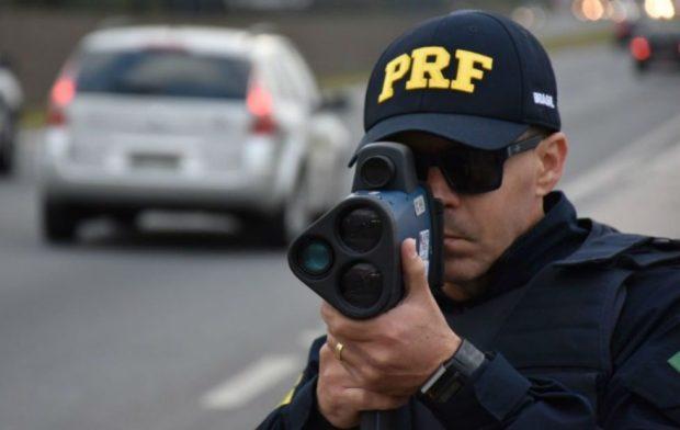 PRF deve voltar a fiscalizar rodovias com radares móveis até o dia 23