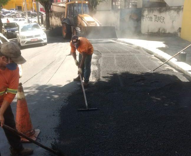 Ruas do Centro de Cachoeiro recebem recapeamento asfáltico