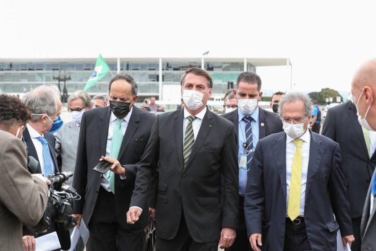 Bolsonaro vai com empresários ao STF para pedir retomada da economia