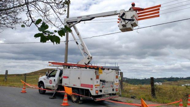 Pipas presas na rede elétrica deixam 85 mil sem luz na quarentena