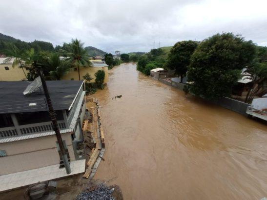 Confira fotos de áreas alagadas em Iconha após chuva