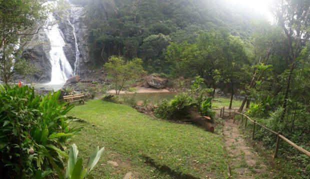 Trilhas danificadas do Parque Estadual Cachoeira da Fumaça são restauradas