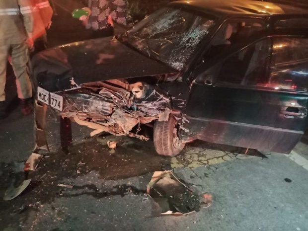 Carros batem na BR 262 e deixam feridos em Venda Nova